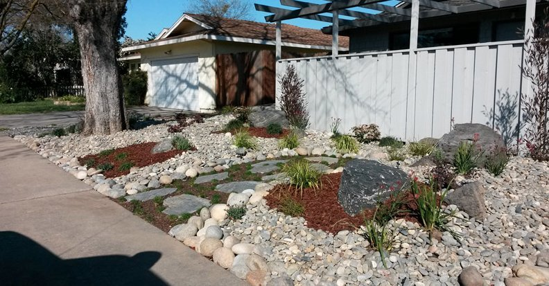 Transform your home with a typical california rock or for Landscaping rocks los angeles
